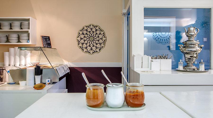 In unserem Deli Sabzi kannst du leckere Gerichte nach dem Clean-Eating Prinzip genießen.